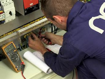 Reconversión y actualización eléctrica / electrónica
