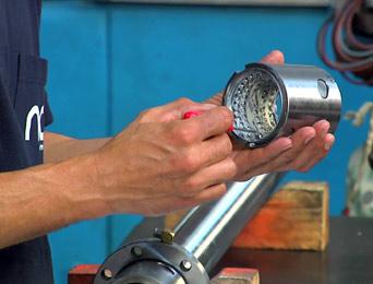 Ajuste, reparación o sustitución de elementos funcionales