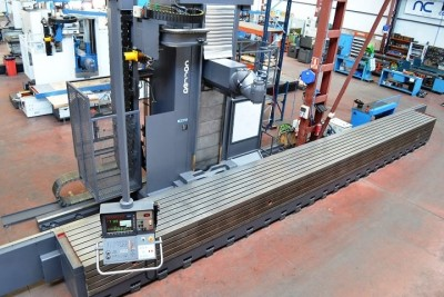 Mobile column milling machine CORREA L30/104 - 7901103