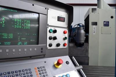 Fresadora bancada CORREA CF17D - 968781