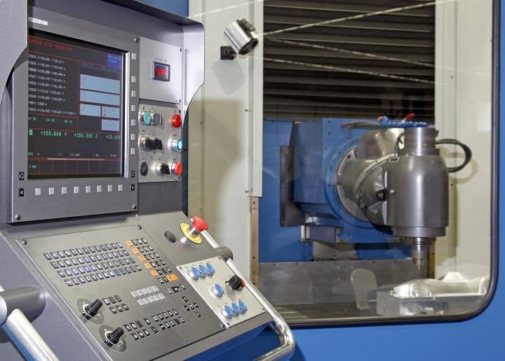 Installation and commissioning of the CORREA A30/30 milling machine retrofitted by NC Service