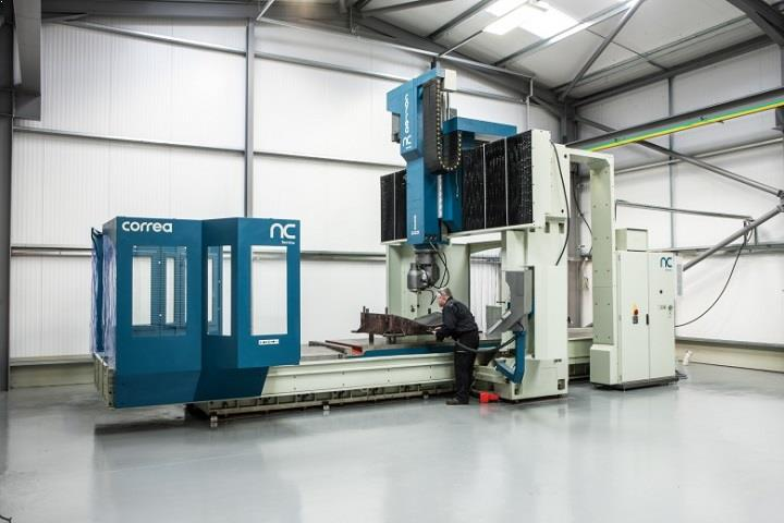 Bridge type milling machine CORREA FP40/40 refurbished by NC Service